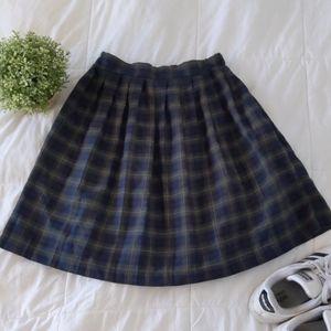 Dresses & Skirts - Vintage high waisted plaid pleated mini skirt